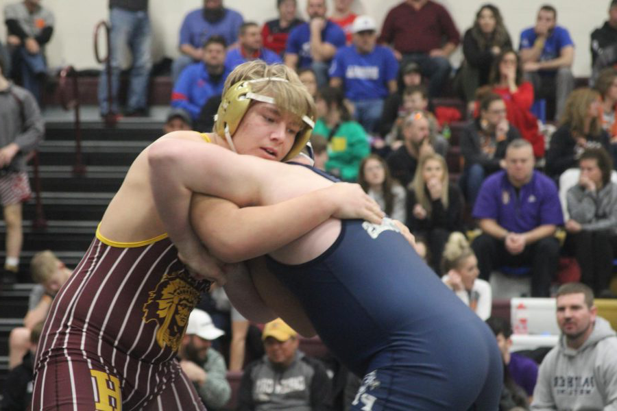 Sophomore+Gavin+Nutting+wrestles+at+the+Bob+Kuhn+Tournament+on+Jan.+25+at+Hays+High.+At+state%2C+Nutting+finished+in+fifth+place+in+his+weight+division.